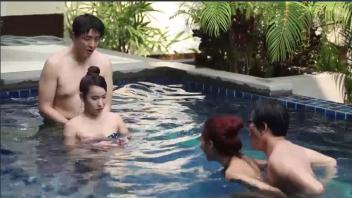 แบ่งกันเย็ด แตกในหี เสียบสดหี เย็ดในน้ำ เย็ดสาวไทย