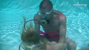 โม๊คควย เลียควย เย็ดในน้ำ เย็ดใต้น้ำ เย็ดเหนื่อย